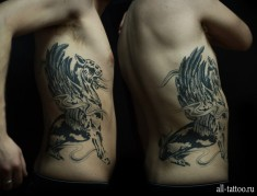 Американская татуировка на боку