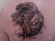 Татуировка на лопатке «Спецназовцы»
