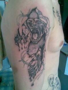 Тату мужская на плече «Оскал пантеры»