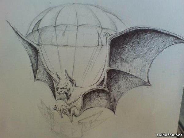 Эскиз тату летучей мыши с парашютом